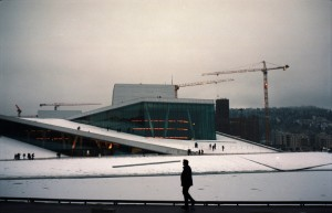Portra400_9x6_201701_201702_Oslo_Opera_001_red_small